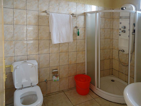 double-room-shower-2